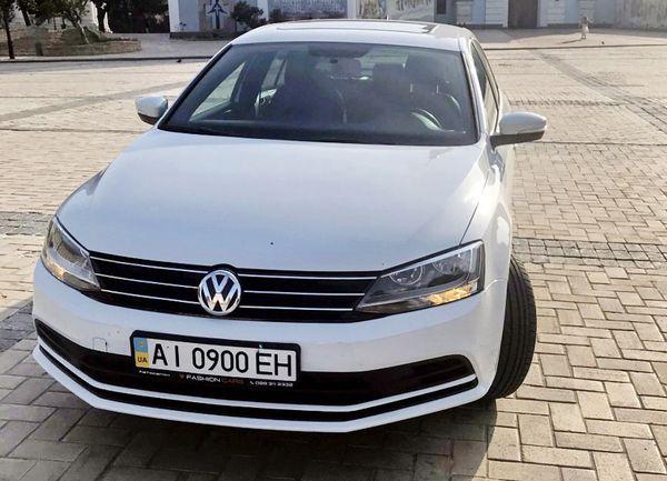 Volkswagen Jetta белый на прокат в киеве
