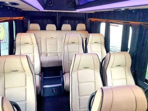 Mercedes Sprinter серебристый для трансфера экскурсии