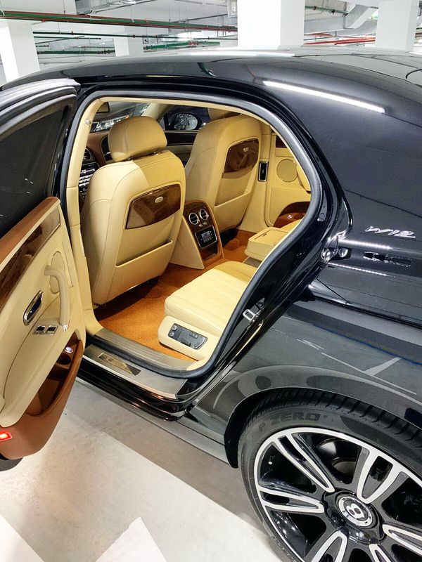 Bentley Continental Flying Spur 2015 W12 6.0 BiTurbo аренда
