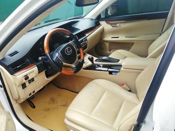 Аренда Lexus ES300 белый машина на свадьбу