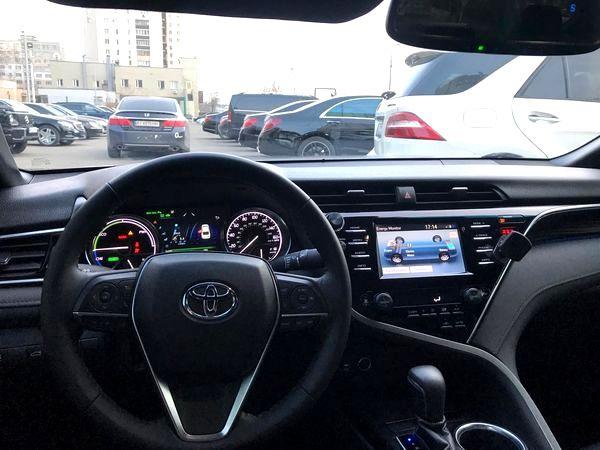 Toyota Camry 2019 Hybrid заказать на прокат в киеве