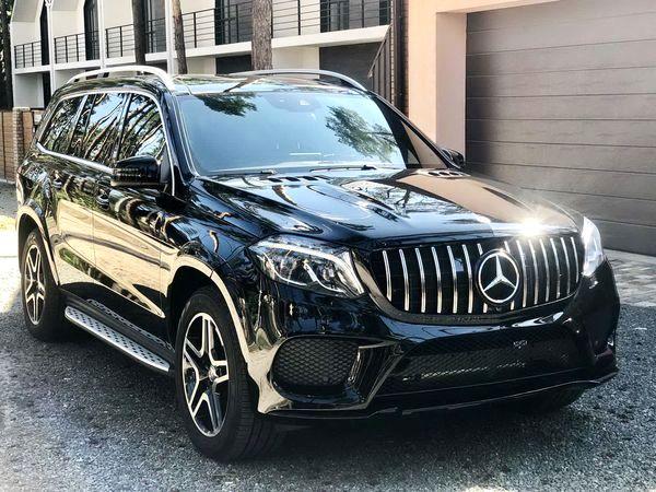 Mercedes GLS 2019 черный арендовать на прокат с водителем и без