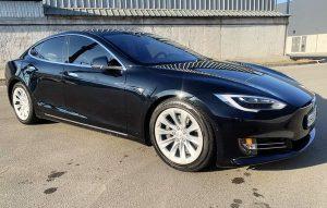 Tesla model S 75D 2017 черный на прокат без водителя